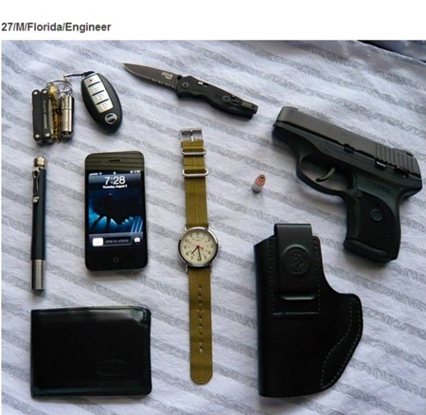 different_items_people_carry_15